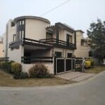 10 Marla Corner Double Story use House for Sale in Park View Villa's Soecity Lahore.