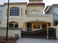 10 Marla Beautiful house Buliward park face Bahria Enclave Islamabad