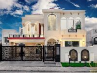 10 Marla Brand New Semi Furnished House 𝐢𝐧 , Bahria Town Lahore 𝐅𝐨𝐫 Sale