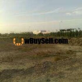 TOP CITY PLOT BLOCK B BOULEVARD AVAILABLE FOR SALE