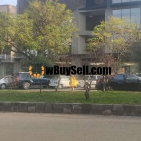 PLAZA FOR SALE MALLE ONE GULBERG LAHORE