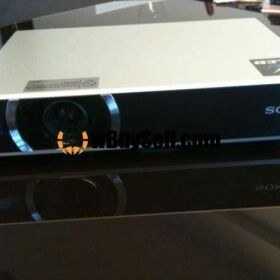 FOR SALE SONY VPL-CX21 PROJECTOR