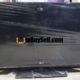 FOR SALE LG SIMPLE LCD TV 32 INCHES