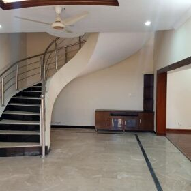 10 Marla Single Unit Luxury House for SALE in Bahria Town Rawalpindi