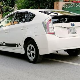 Toyota Prius S LED Edition 2018 for SALE
