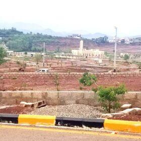 Kanals Developed Posisation Plots for SALE in BANIGALA Near IMRAN KHAN House ISLAMABAD