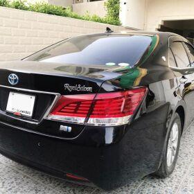 Toyota Crown Hybrid Royal Saloon for SALE