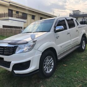 Toyota Hilux VIGO Champ G Automatic 2014 for Sale