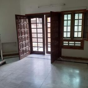 10 Marla House for Sale in Judicial Colony Opposite Gulberg Green Islamabad