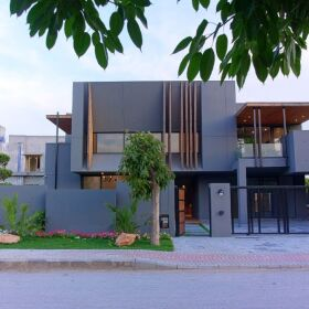Designer Villa Overseas Block 1 Bahria Town Phase 8 Islamabad for Sale