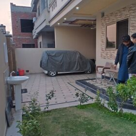 10 Marla Luxury House For Sale in G Magnolia Park Gujranwala