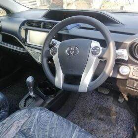 Toyota Aqua Pearl Black 2015 for Sale