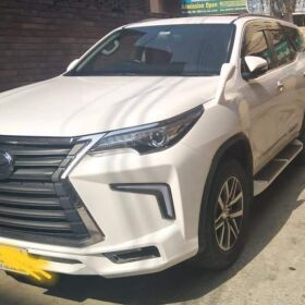 TOYOTA FORTUNER 2.7 2017 FOR SALE