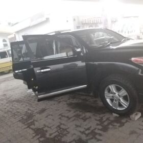 URGENT SALE TOYOTA LANDCRUISER V8 ZX 2012 FOR SALE