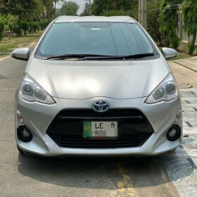 TOYOTA AQUA 2015 FOR SALE