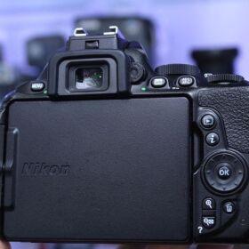 Nikon D5600+18-55mm Lens for Sale