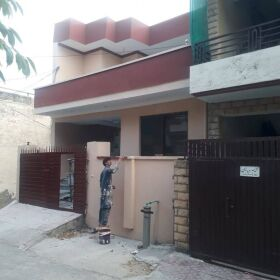 5 Marla 3 stories house for sale in Pakistan Town phase 1, next to PWD Islamabad highway
