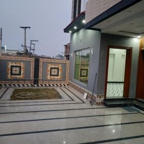 10 Marla Brand New House for sale Central Park Housing Society Lahore Pakistan