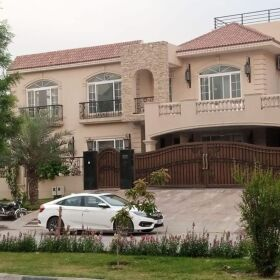 2 KANAL VILLA FULLY FURNISHED FOR SALE IN E-11 ISLAMABAD