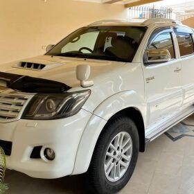 Toyota Hilux Vigo UK Model 2013 For Sale in Lahore