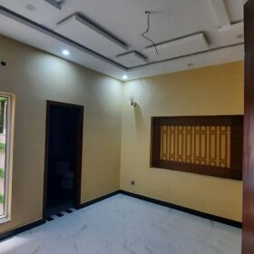10 Marla Brand New House, Bahria Town Lahore  Sale